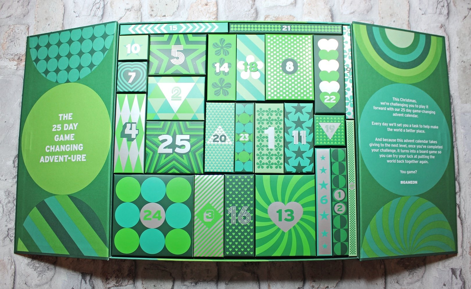 The Body Shop Deluxe Advent Calendar swatch