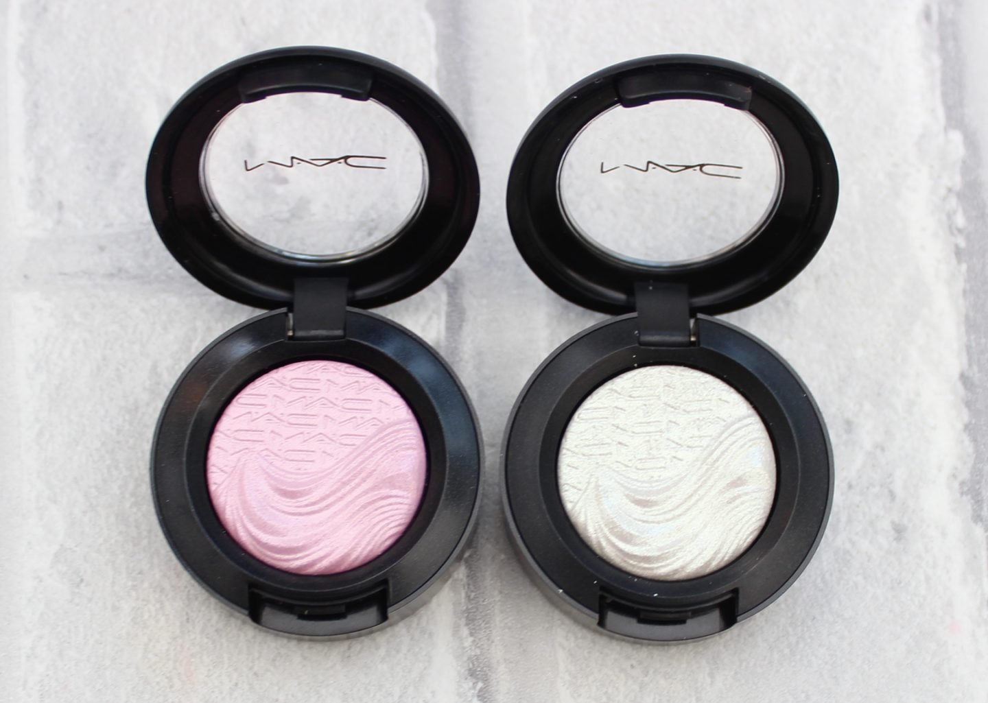 MAC Extra Dimension Eye Shadow Swatches