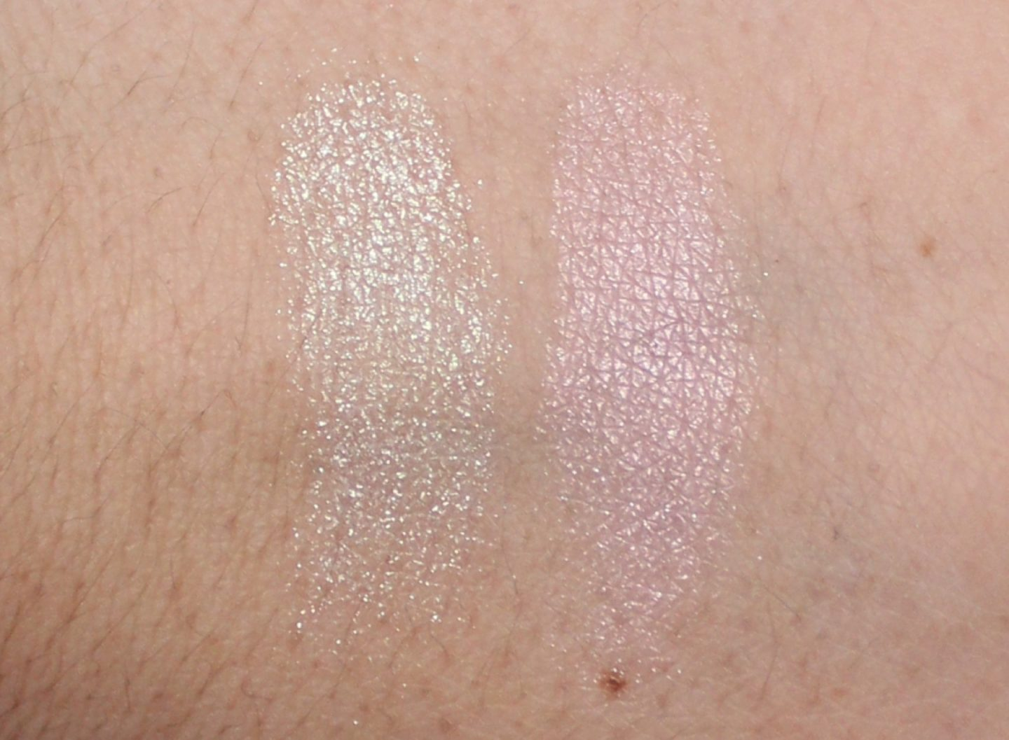 MAC Extra Dimension Eye Shadow Frostwinked + Young Venus swatches
