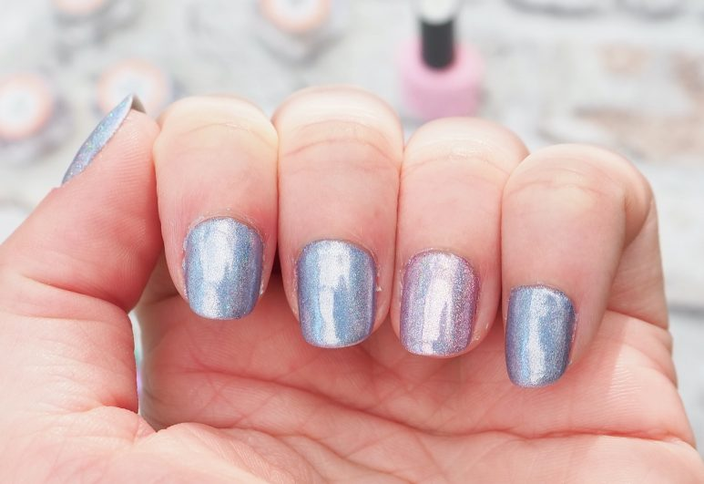 How I Apply Holographic Nail Pigment